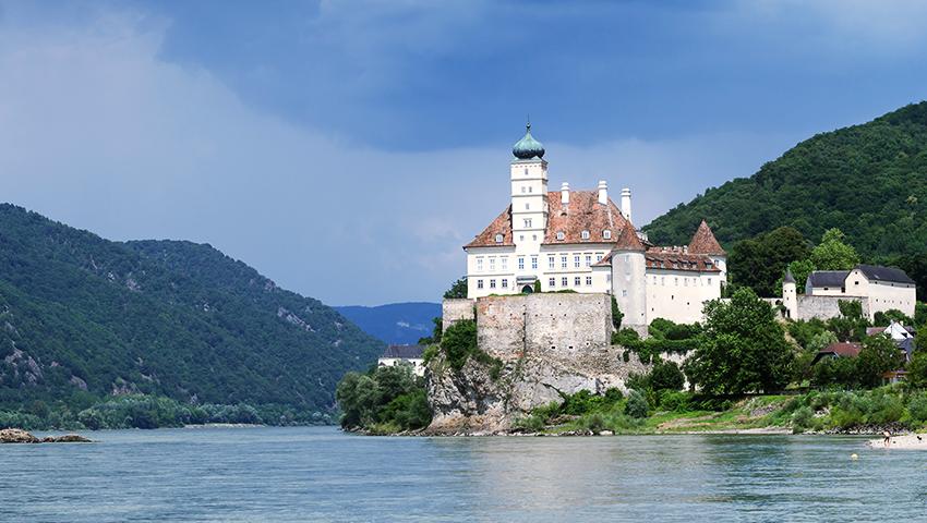 schloss schonbuhel castle