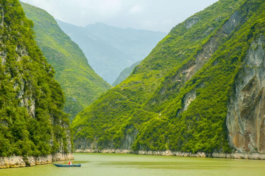 Asian river cruises three gorges yangtze river