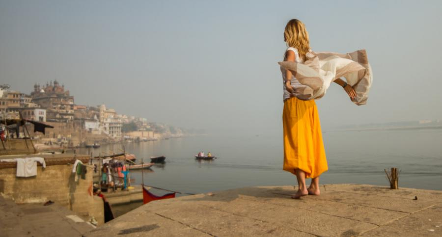 what to wear in india view of the ganges