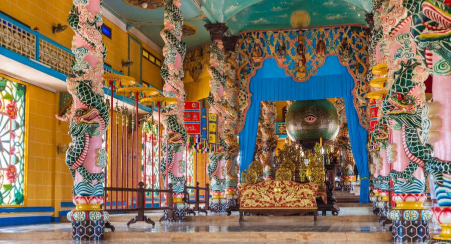 famous temples cao dai temple tay nihn vietnam