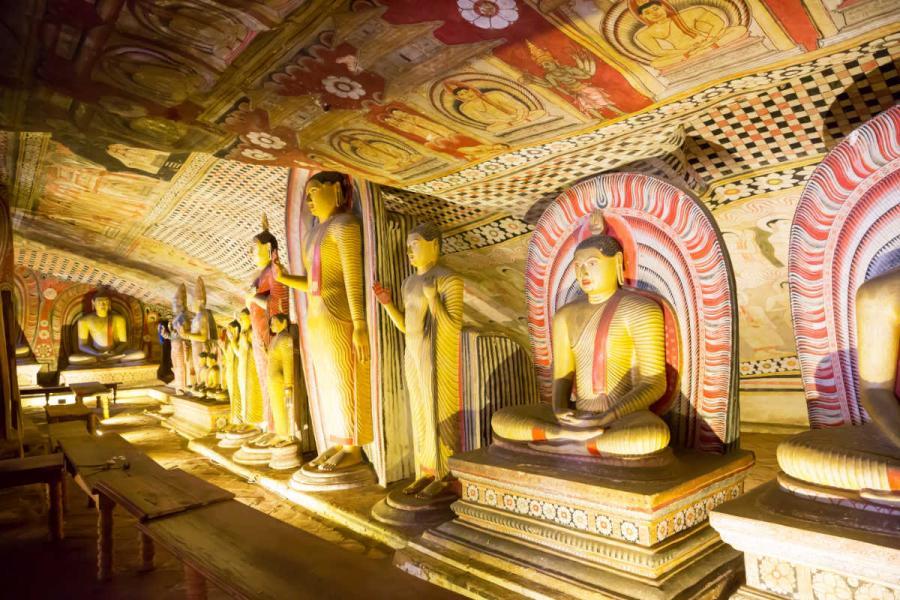 famous temples dambulla cave temple sri lanka