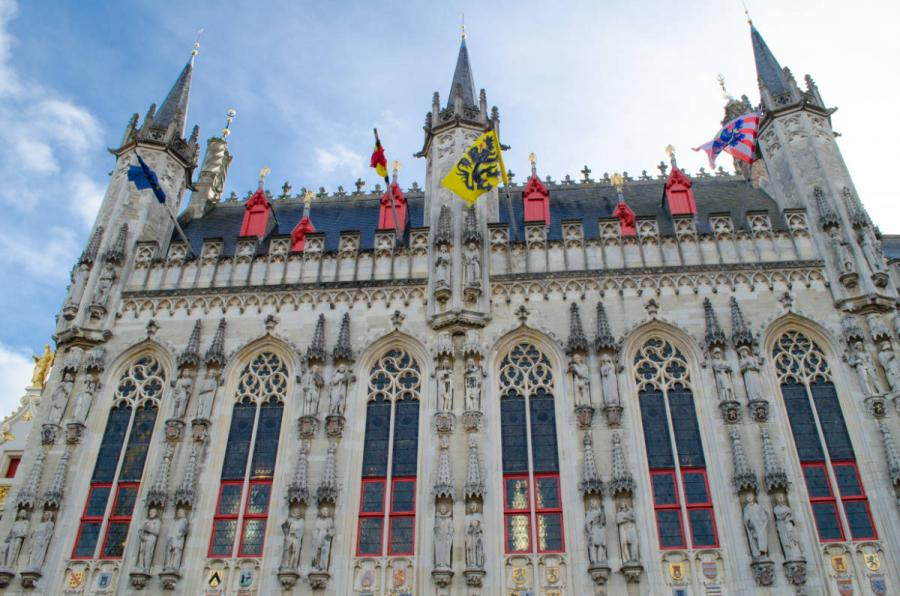 what to do in bruges in one day Brugge town hall
