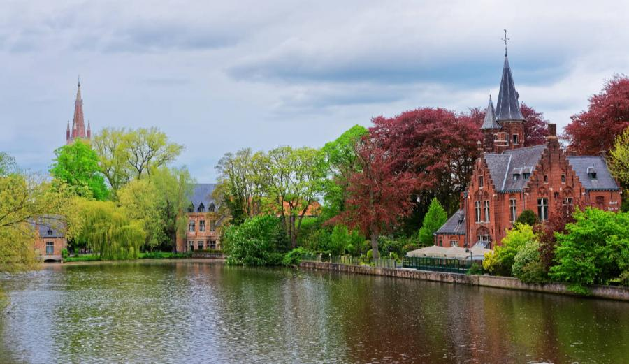 what to do in bruges in one day minnewaterpark