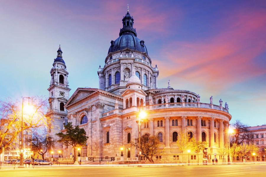 what to do in budapest st stephen basilica