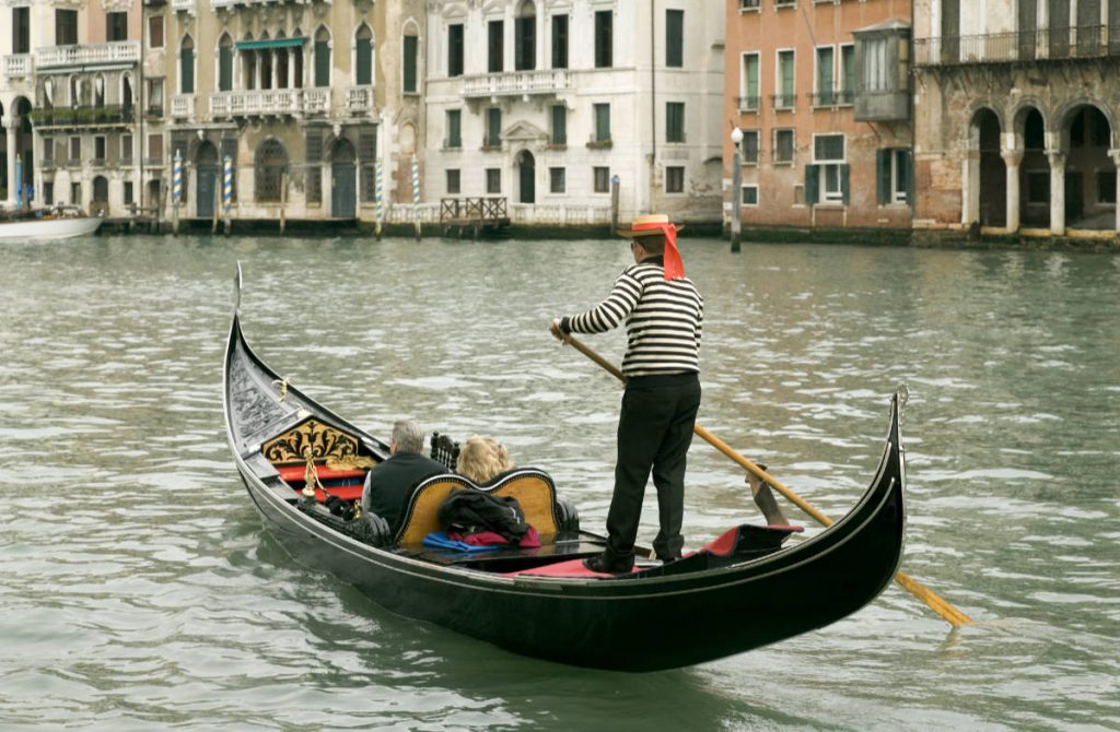 Europe bucket list Gondola in Venice