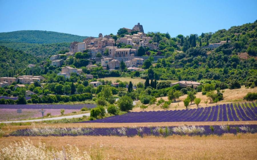walking holidays europe saint saturnin les apt provence