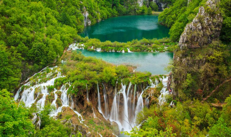 famouse waterfalls plitvice waterfall