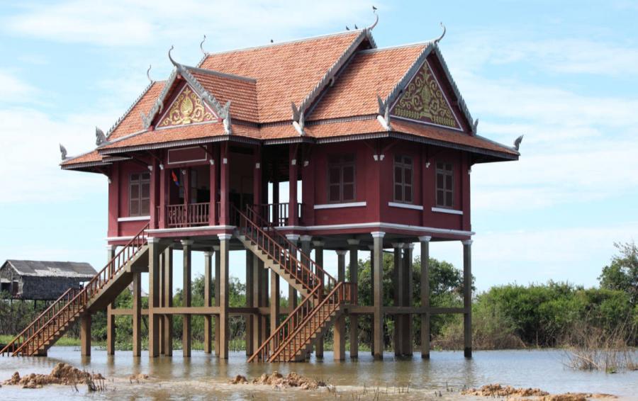 mekong river cruise floating village cambodia