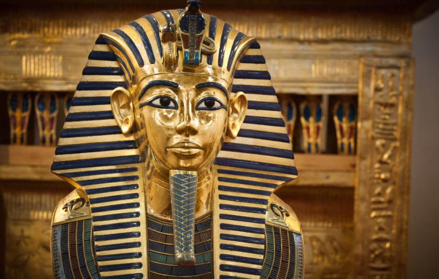 nile cruise tutankhamuns funerary mask