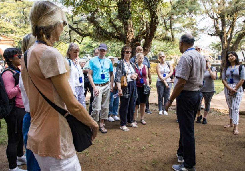 Group tours | Expert Guides