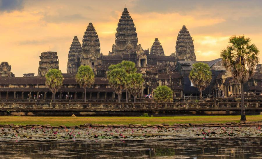 luxury mekong cruise sunrise at angkor wat siem reap