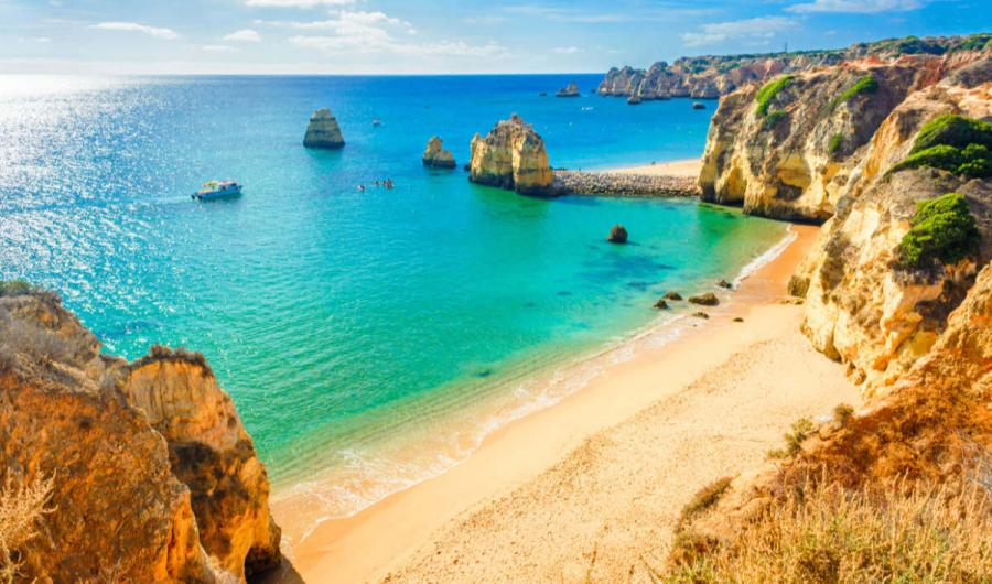 solo travel holidays algarve portugal