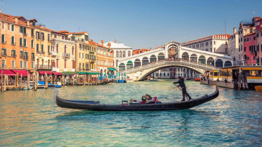 things to do in venice rialto bridge