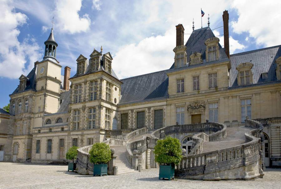 famous castles chateau de fontainbleau france