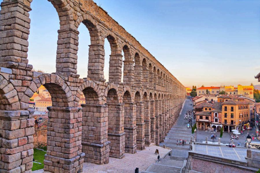 roman ruins aqueduct of segovia