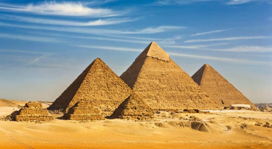 7 wonders of the world the pyramids of giza
