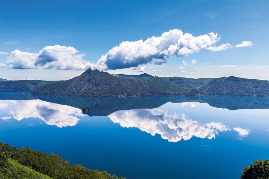 japan tours lake mashu