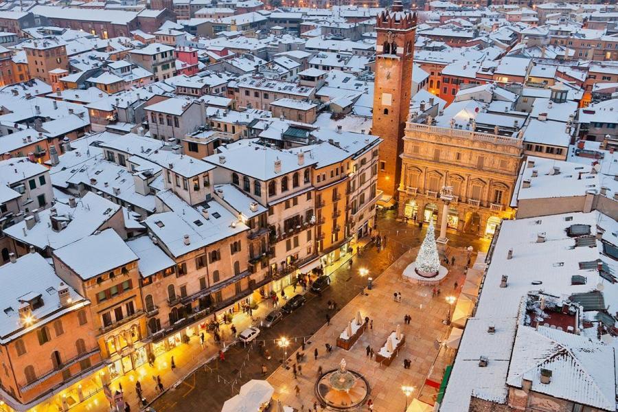 christmas destination for solo travellers verona main square