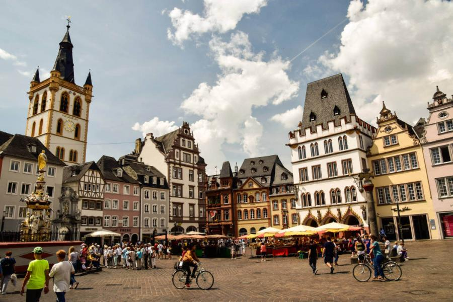 moselle river cruises trier market square
