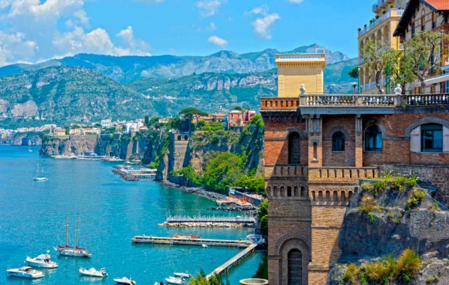 visit amalfi coast Sorrento