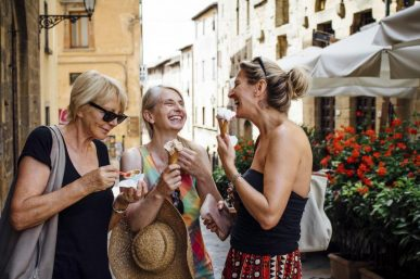 5 Ways to Travel as a Group