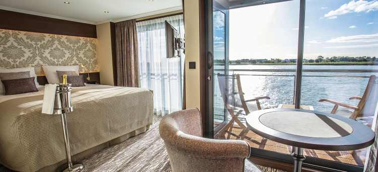 Deluxe Balcony Suite on the MS Thomas Hardy ship