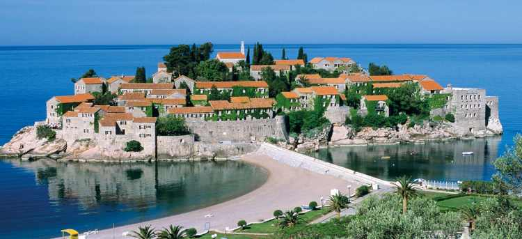 Stay in Budva with our guided tour, a beautiful town on the Montenegrin riviera