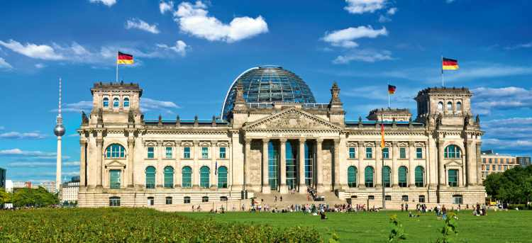 Berlin | Norman's Foster's | Reichstag | Riviera Travel | escorted tour