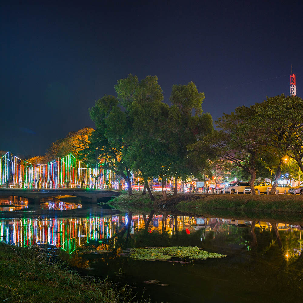 Park in Siem Reap at night