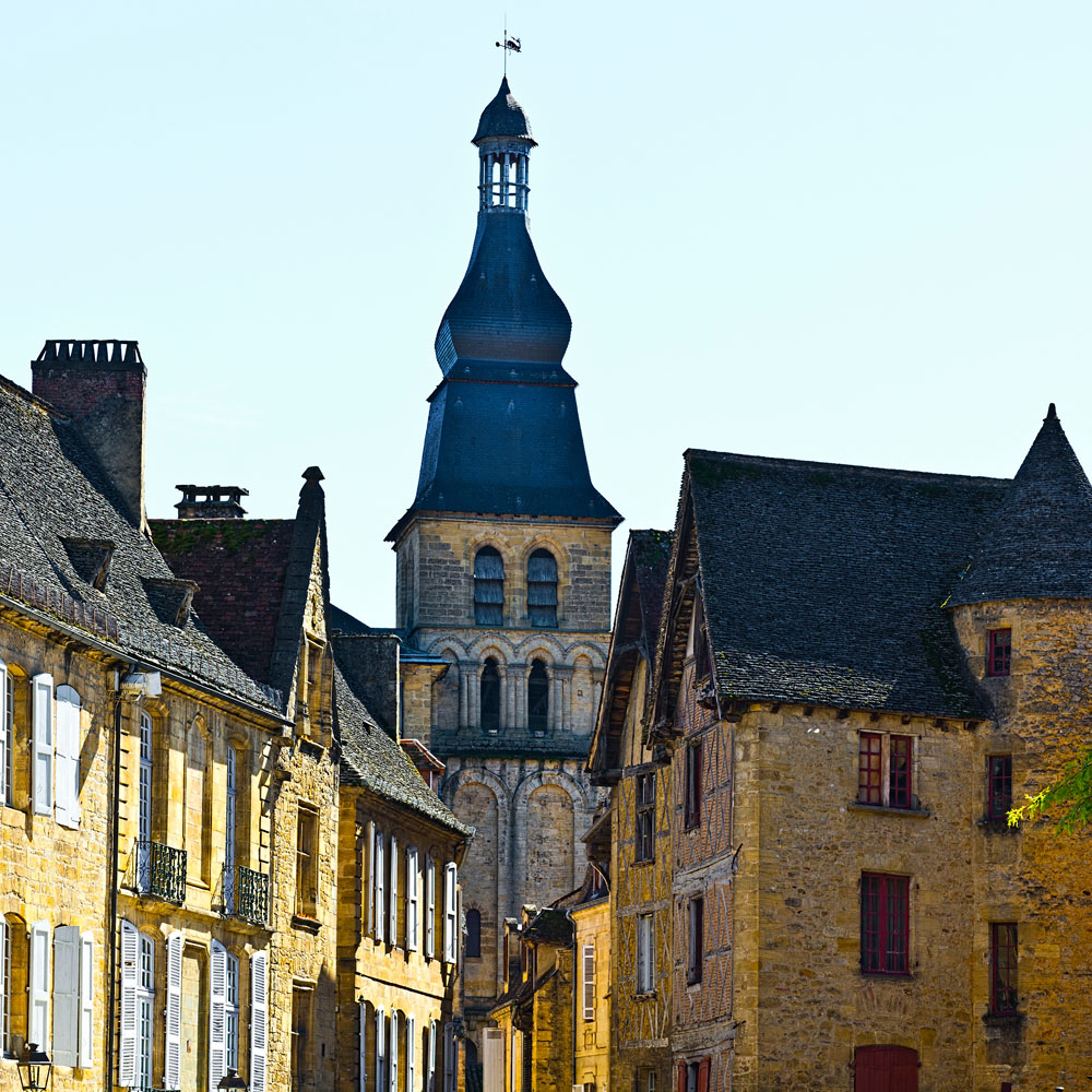 ARRIVAL IN SARLAT